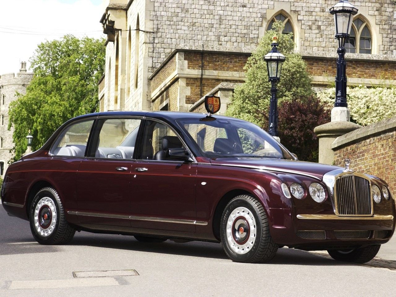 2002-bentley-state-limousine